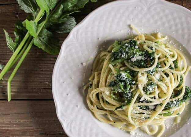 Pasta and Broccoletti (broccoli rabe), a delicious and healthy Italian vegetarian pasta dish. The perfect weeknight meal.