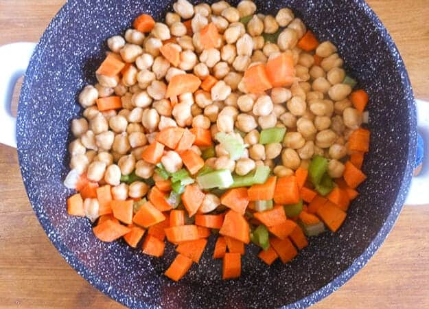 Italian Chickpea Soup is a delicious Healthy Vegan/Vegetarian Soup Recipe, a must try. Healthy & Delicious, the whole family will love it.