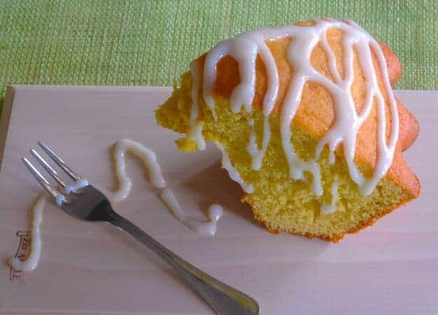 Orange Cake torta allarancia, a delicious Italian sponge cake drizzled with a cream cheese glaze, fast easy and the perfect tea cake.