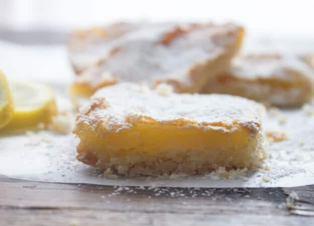 Easy Fresh Lemon Squares, the best, easy lemon squares recipe, a delicious shortbread crust and a yummy lemony filling. A must try.