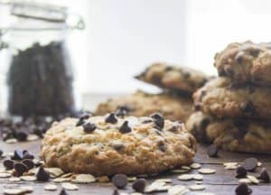 The Best Chocolate Chip Cookies from scratch you will ever taste. Healthy, Fast, Easy made with Oatmeal. A delicious homemade cookie recipe.
