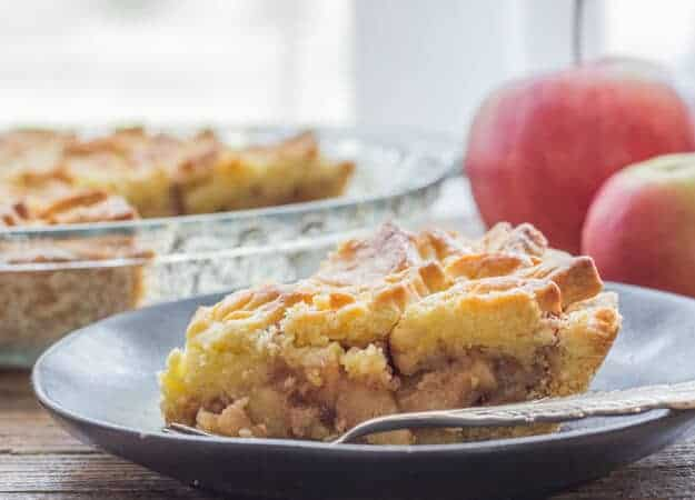 Italian Apple Pie a delicious Homemade Apple Pie Recipe, a fast and easy flaky crust with a perfect syrupy Apple filling. The Best Apple Pie.
