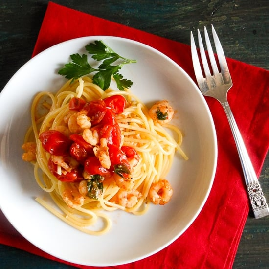 Spaghetti with shrimp and tomatoes