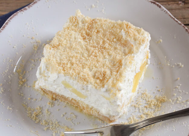 Pineapple Cream Dessert, an easy and delicious no bake creamy dessert recipe. Made with canned crushed Pineapple and Fresh cream. The Best!