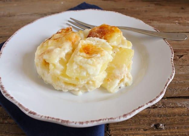 creamy cheesy scalloped potatoes /anitalianinmykitchen.com