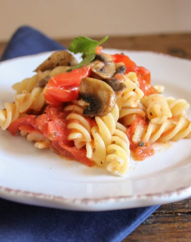 fusilli with fresh tomatoes and mushrooms/anitalianinmykitchen.com