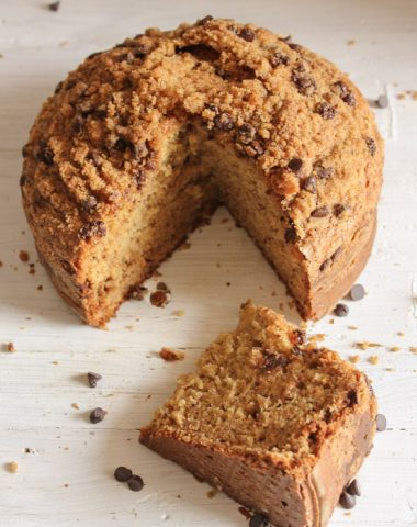 Banana Chocolate Chip Crumb Cake, delicious banana crumb cake recipe, made with brown sugar, kids will love it!