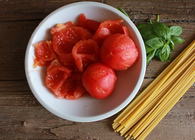 Amatriciana with Fresh Tomatoes, the perfect Italian classic pasta sauce recipe, made with fresh ingredients, fast, delicious, and healthy./anitalianinmykitchen.com