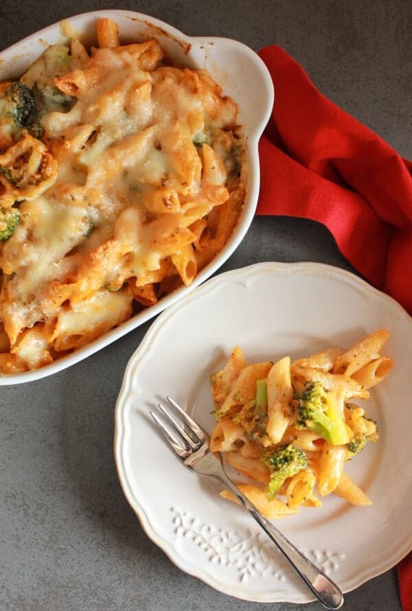 Cheesy Broccoli Pasta Bake