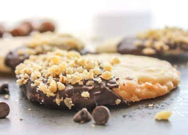 Chocolate Hazelnut Shortbread Cookies, a simple, easy melt in your ...