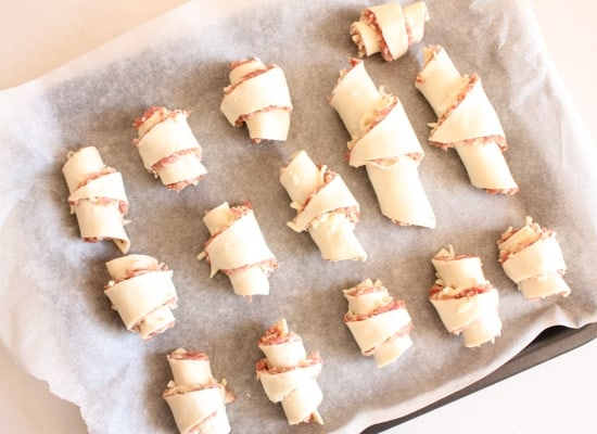 Meatball Stuffed Crescent Rolls, are a perfect appetizer or dinner recipe, fast, easy and cheesy and gone in seconds. Ground Beef never tasted so good.|anitalianinmykitchen.com