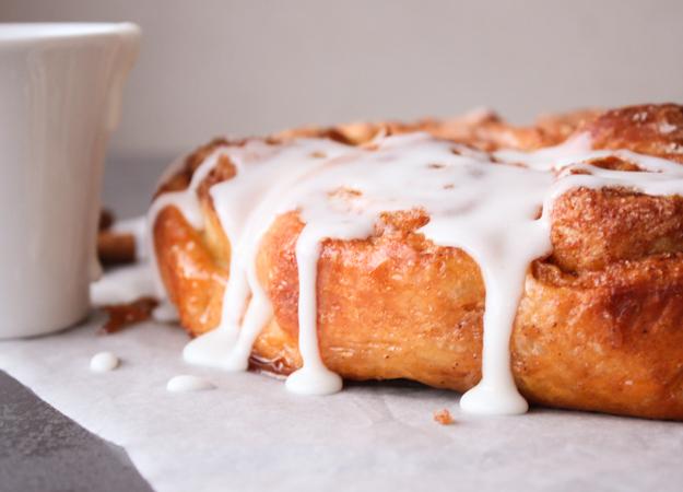Homemade Cinnamon Buns, easy soft delicious cinnamon buns, the perfect breakfast or snack sweet bread recipe, delicious plain or glazed.|anitalianinmykitchen.com