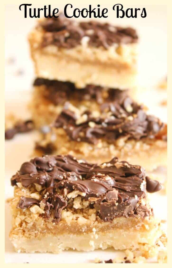 Turtle Cookie Bars, a fast and easy Christmas cookie recipe with a yummy shortbread base, filled with nuts, caramel and chocolate. A new favourite.