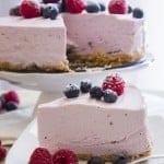 A delicious No-bake Greek Yogurt Pie, an easy recipe, pick your favorite Greek Yogurt flavor. The perfect family dinner dessert.