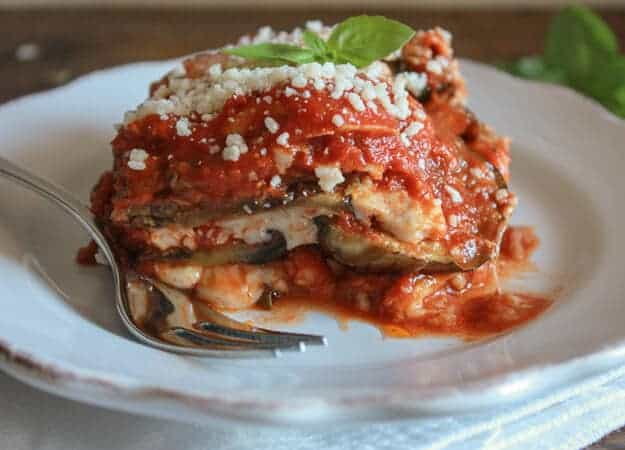 Grilled Eggplant Parmesan a delicious classic Italian recipe, no-fry ...