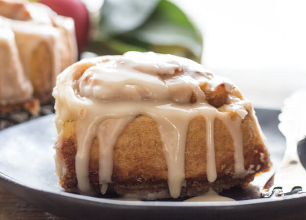 Apple Butter Cinnamon Rolls With Maple Frosting An Italian In My