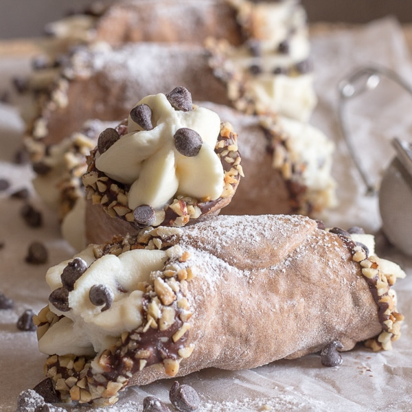 Cannoli Kitchen: Creamy Homemade Baked Cannoli