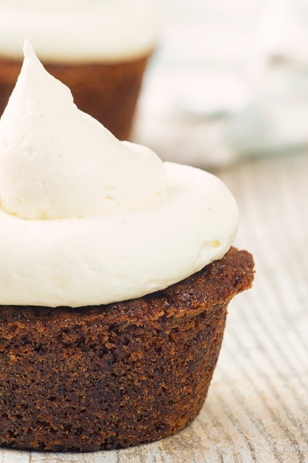 carrot cake muffins with frosting