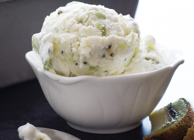 No Churn Fresh Kiwi Ice Cream, fast and easy.