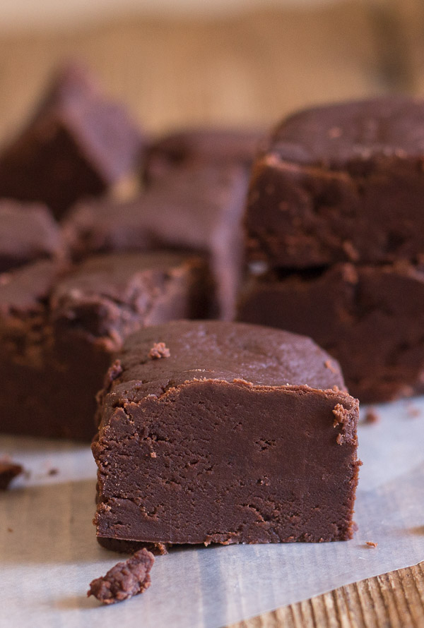 Old Fashioned Chocolate Fudge Creamy And Slightly Crumbly This Melt In Your Mouth Homemade