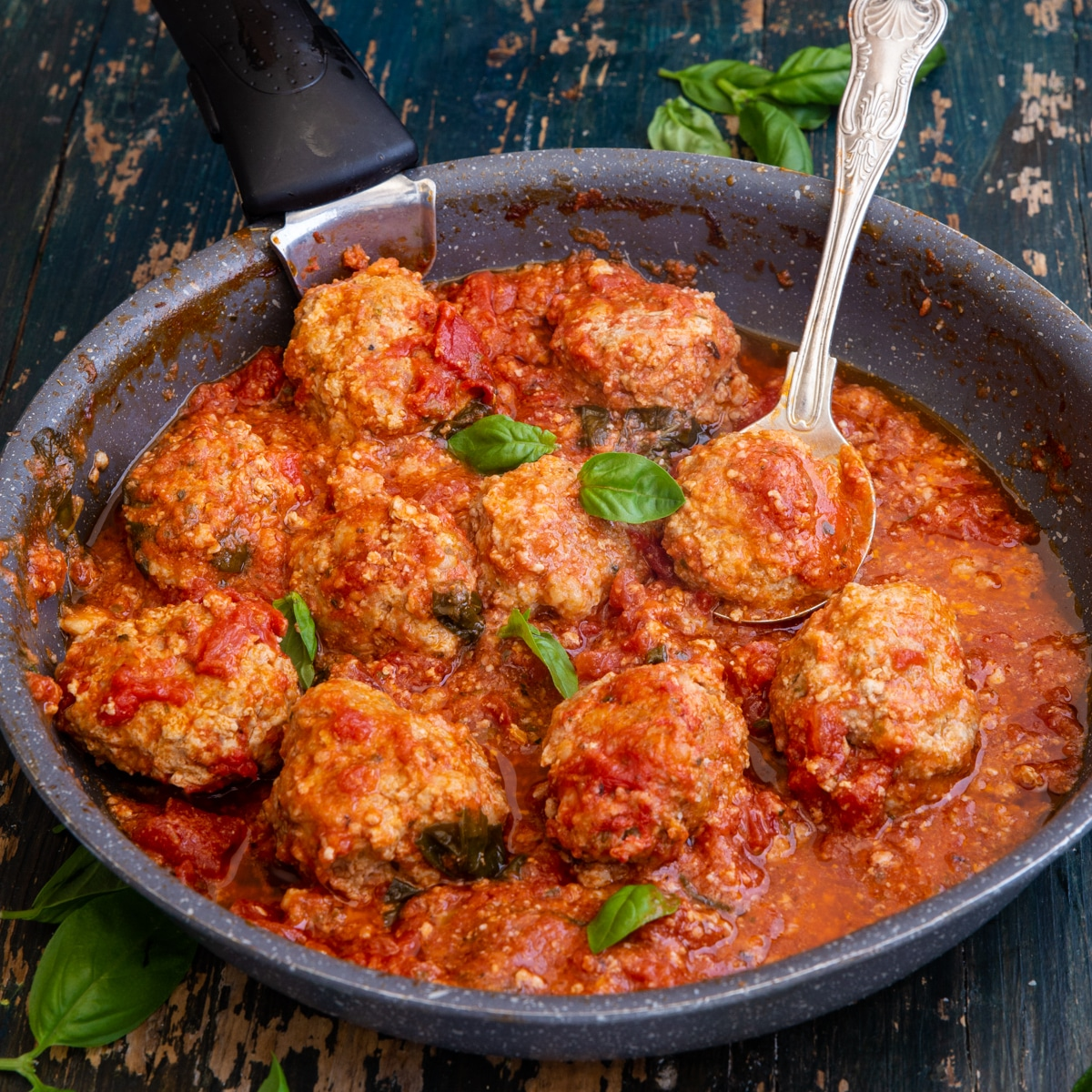 meatballs in a black pan