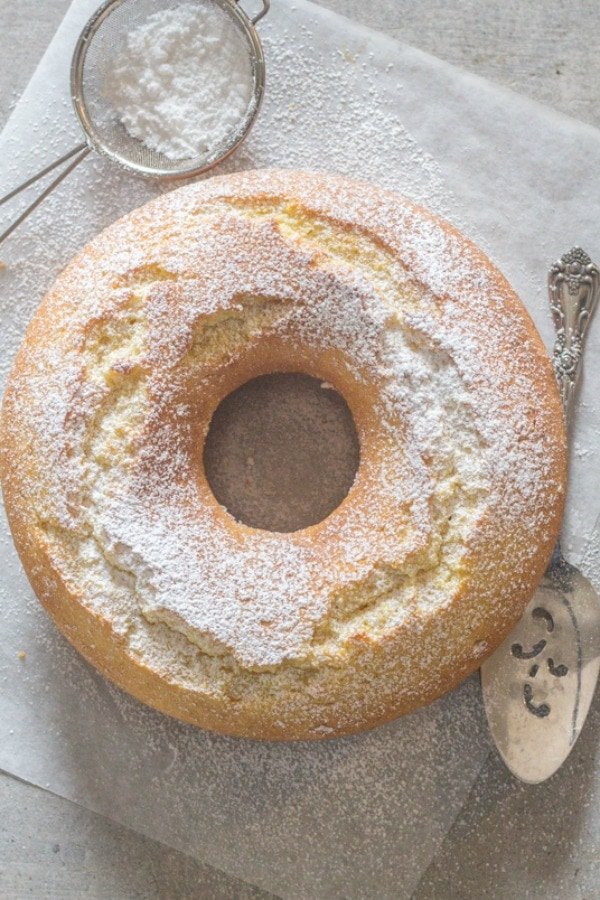 Italian Fresh Cream Lemon Cake recipe,an easy made from scratch, the perfect homemade breakfast, snack cake. An Italian sweet cake. Enjoy! #coffeecake #lemoncake #breakfast #italiandessert #dessert