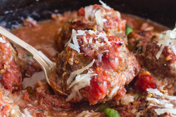 upclose baked meatball