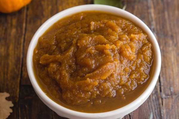 up close pumpkin butter in a white bowl